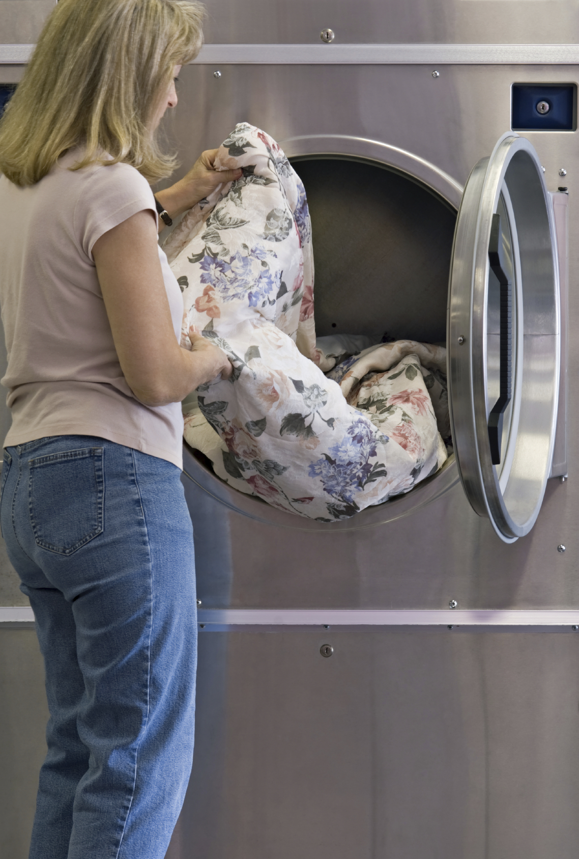 Commercial Laundry Room Equipment Solutions