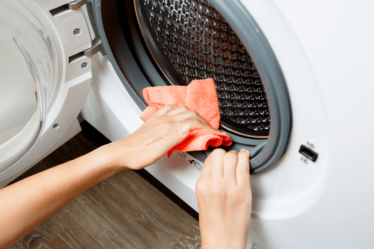 tips for keeping your laundry facility clean