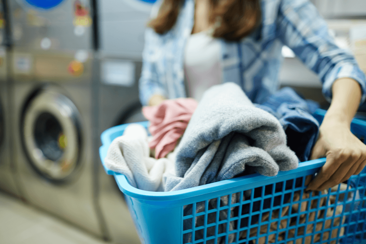 Social Distance Tips for Laundry Facilities