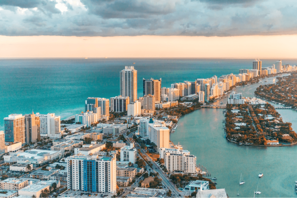 Buy or Lease Commercial Laundry Equipment in South Beach, Florida